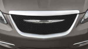 2014 chrysler 200 grill