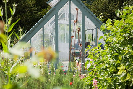Aluminum Greenhouse Frame Pros And Cons Doityourself Com