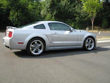 2007 Mustang - side view