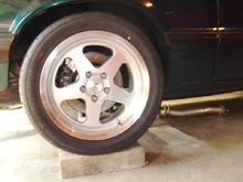 "Rear single piston calipers 11.65"" Rotors Saleen SC wheels with Sumitomo ZR17/40/275's"
