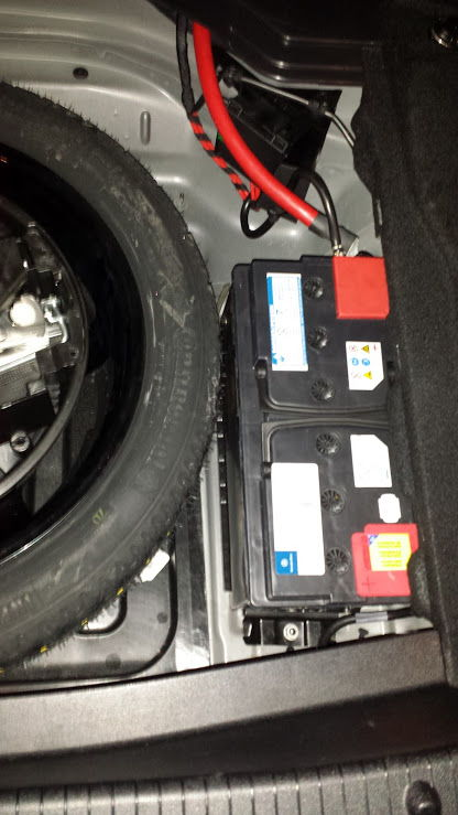 Mercedes benz e350 auxiliary battery location mercedes for Mercedes benz batteries