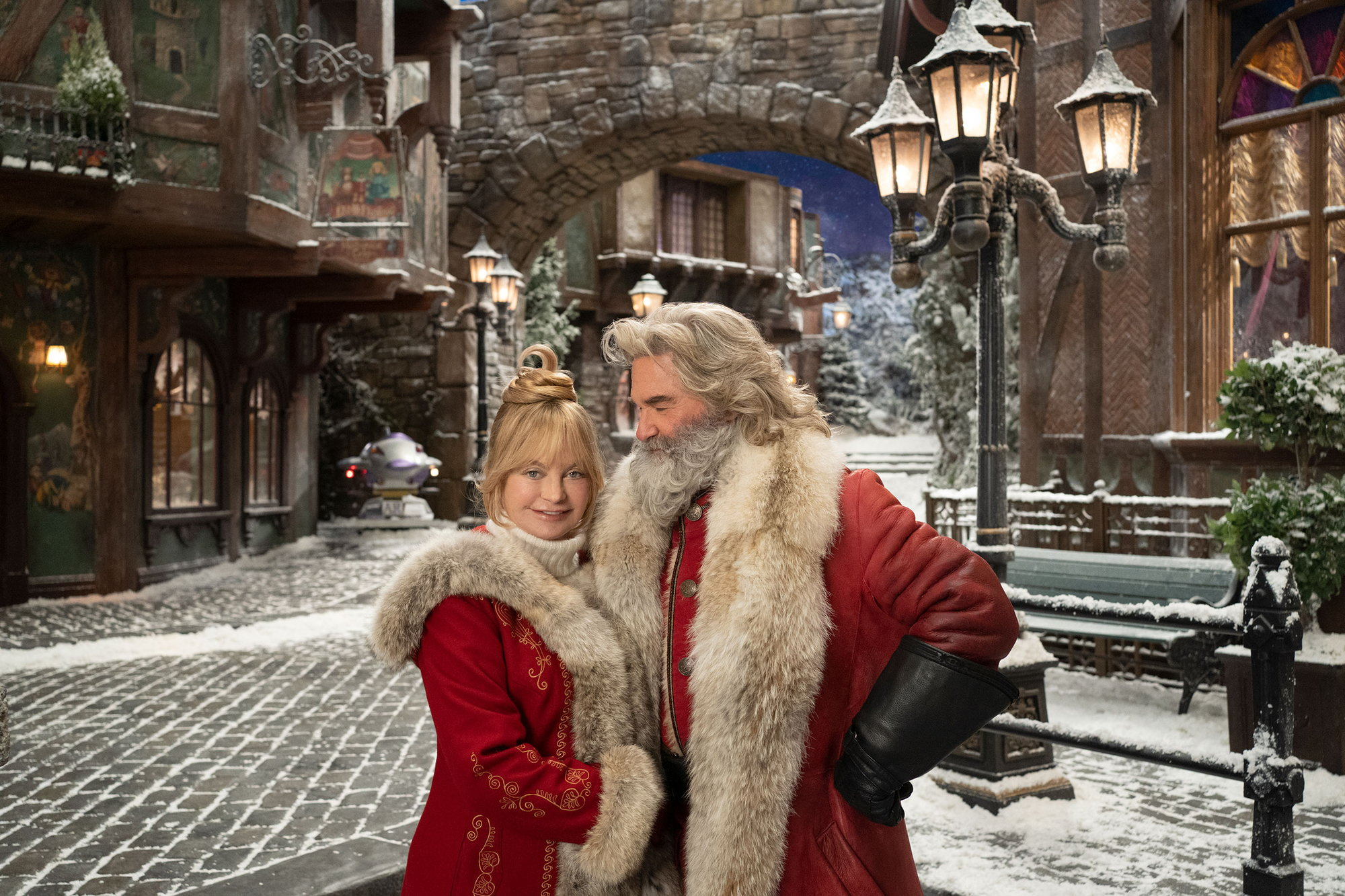 The Christmas Chronicles 2 (2020, D: Columbus) S: Russell ...