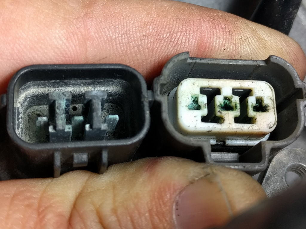 80 img_20170309_183344_resize_4c6161fb43c9bdcd6c707dbf90be858574fea37c how to clean corroded harness connections honda tech honda how to clean corrosion from fuse box at crackthecode.co