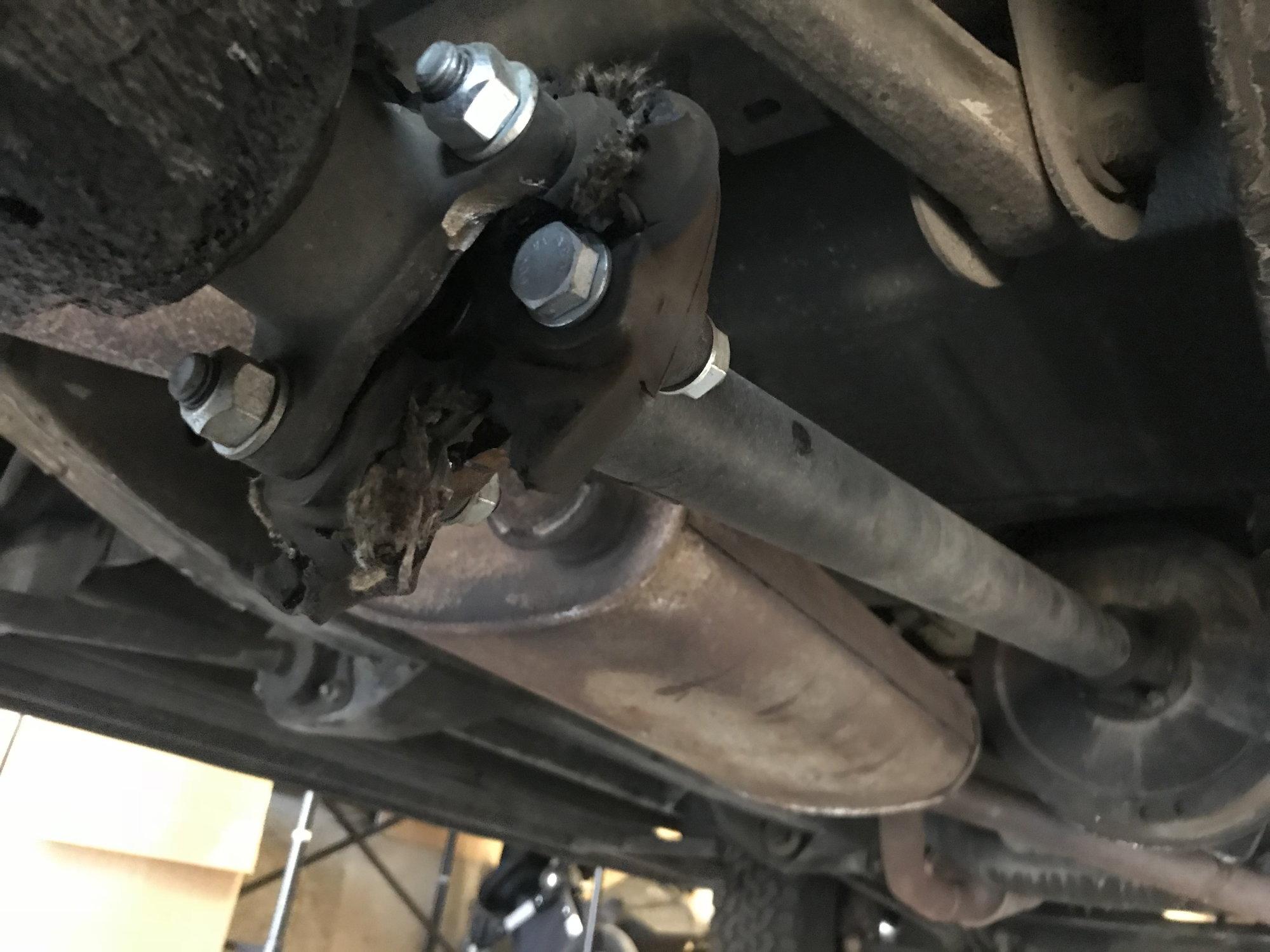 Rear Drive Shaft Disintegrating - Land Rover Forums - Land