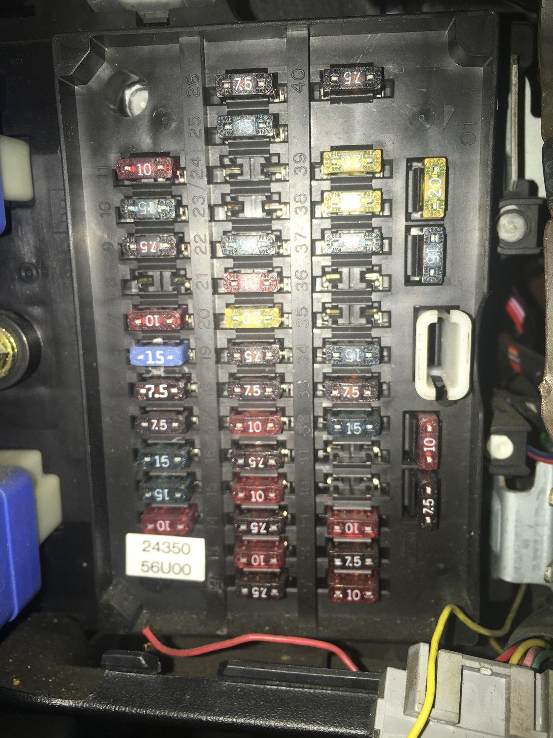 97 Se- 12v Outlet Or Cig Lighter