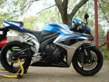 An older picture of my 07 Honda CBR600RR, before my undertail mod.
