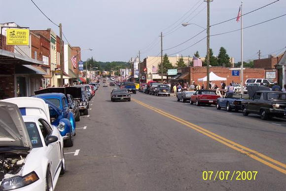 Main Street in Pilot Mtn., during one of the monthly cruise-ins in 2007