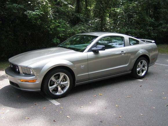 2009 Mustang   01