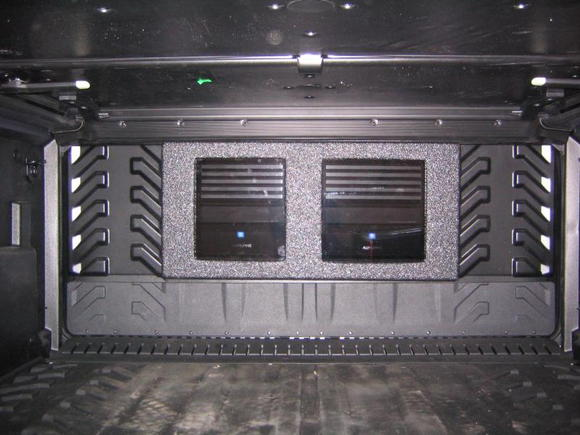 Amp Rack in 2008 Avalanche(Rhino lined, Alpine v-power mono and 4 channel amp)