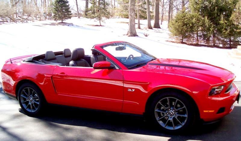 2012 mustang v6 convertible. 2011 V6 Mustang Premium MCA