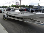 2000 Xpress X70 Bass Boat X70