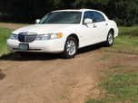 2000 Lincoln                                            Town Car  for sale $6,000