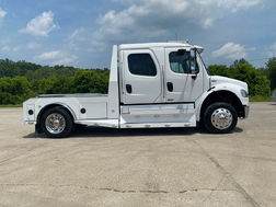 FREIGHTLINER SPORTCHASSIS M2-106