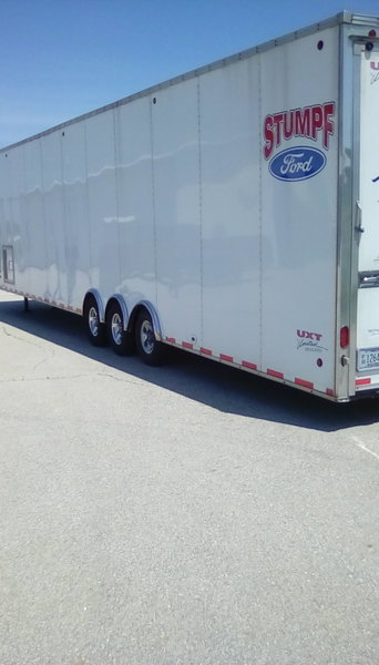 gooseneck race car trailer  for Sale $15,000