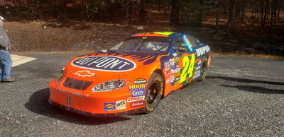 2004 Jeff Gordon car chassis 24-319