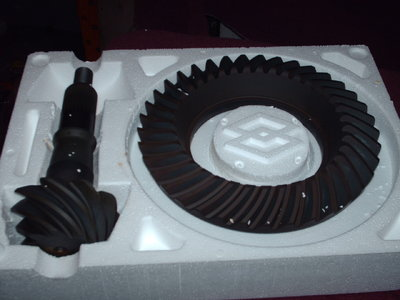 8.8 ford 4.11 pro-gear BRAND NEW !!
