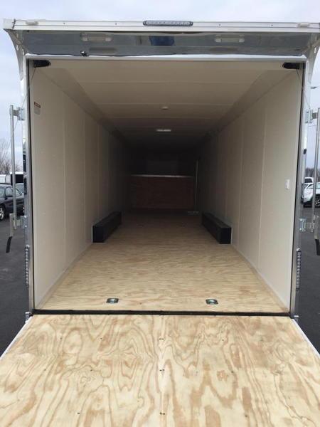 2019 United UXGH 8.5X44 Wide Body Gooseneck Triple Axle Flat