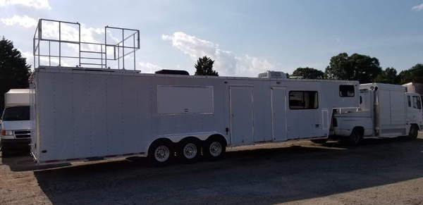 40 foot enclosed trailer  for Sale $11,000