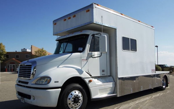 2008 Freightliner Columbia 14'  Toterhome   for Sale $79,990
