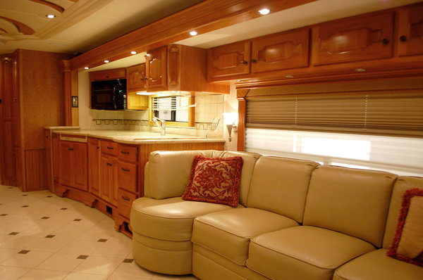 2008 Country Coach Intrigue 530 Jubilee - A Sight to Behold