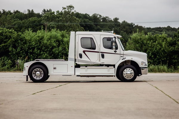 2009 FREIGHTLINER M2-112 2L SPORT HAULER  for Sale $92,500