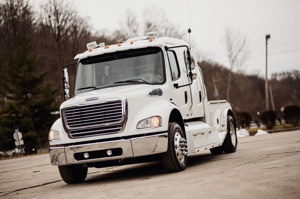 2007 FREIGHTLINER 450HP SPORTCHASSIS 111K MILES  for Sale $99,500