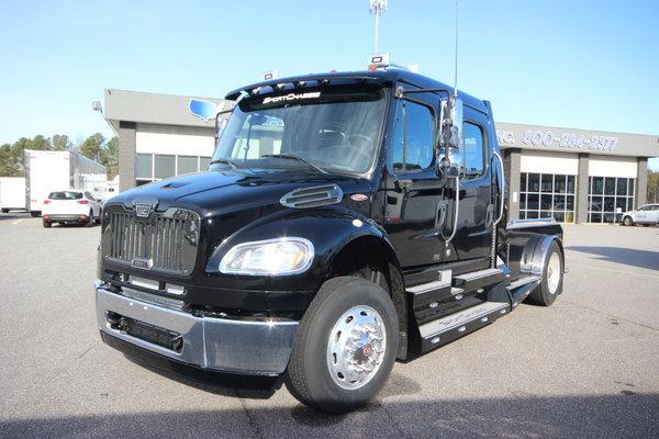 2016 Freightliner® Sportchassis RHA-114 Truck