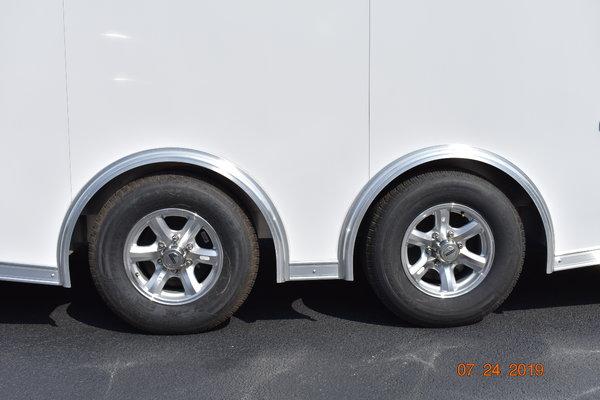2020 28' Aluminum Bravo