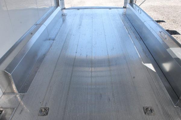 24 ft Sundowner Stacker
