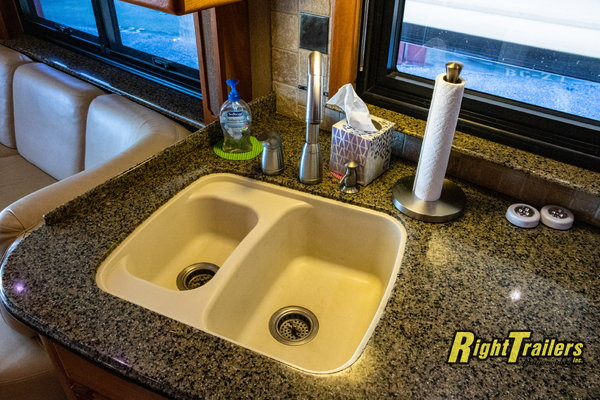 2006 COUNTRY COACH AFFINITY MOTORHOME   for Sale $179,900