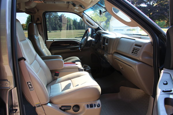 2004 Ford Excursion  for Sale $15,900