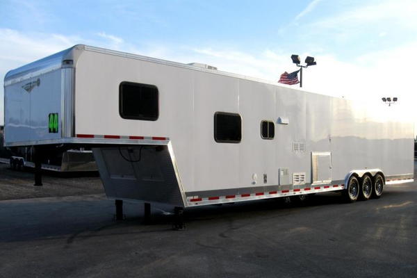 FLASH SALE $39,995  44' w/12'XE+8' Living Quarters