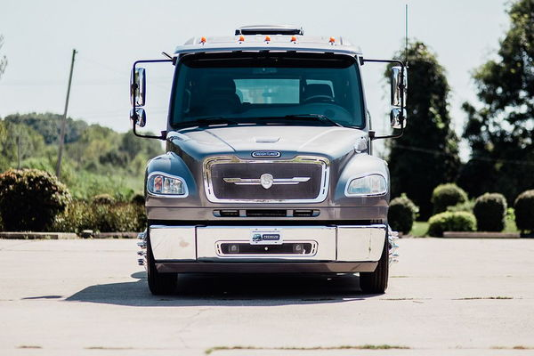 2007 FREIGHTLINER M2-106 SPORT CHASSIS P2  for Sale $88,500