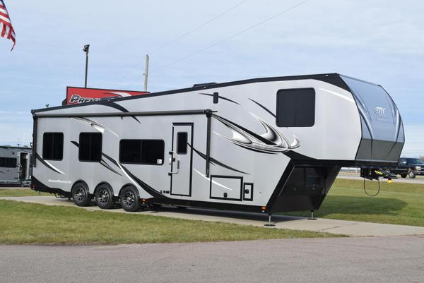 2020 ATC 40' ALL ALUMINUM 5TH WHEEL TOY HAULER for Sale in ...