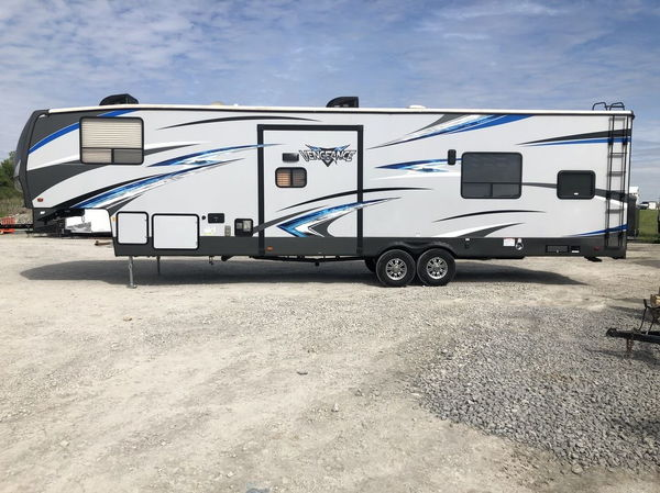 2018 Forest River Vengeance Laminated 348A13 5th Wheel Toy H