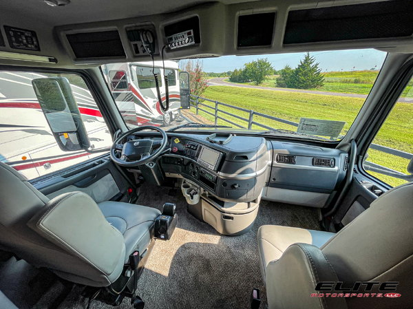 2007 Chariot Volvo Dual Slide Coach, Loaded