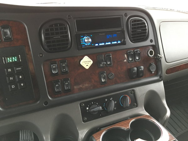 2007 Freightliner M2 Business Class