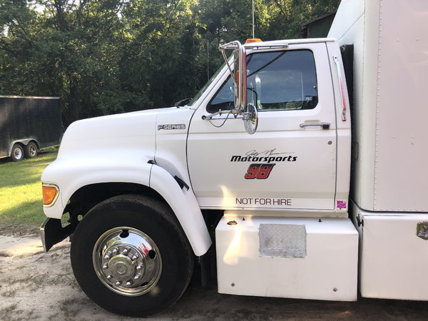 1998 Ford F800 Toter  for Sale $25,000