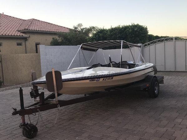Classic Family Ski Boat Avenger 18 FT  for Sale $6,500
