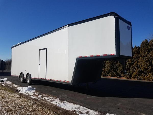 2019 United Trailers Super Hauler