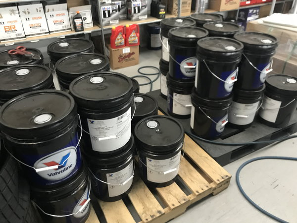 VALVOLINE 75/90 GEAR OIL - 5 GAL PAILS  for Sale $195