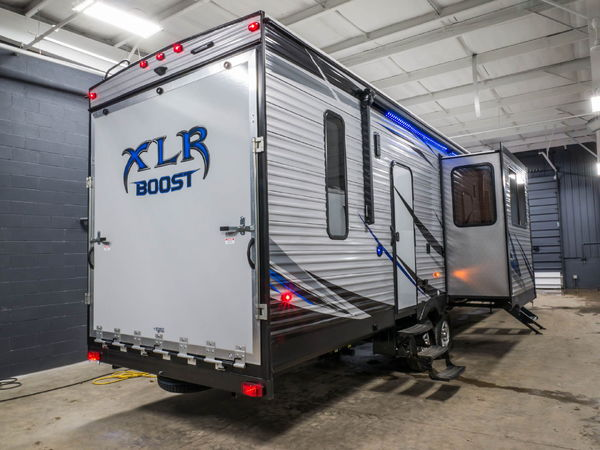New 2018 Forest River XLR Boost 36DSX13 5th wheel toy hauler