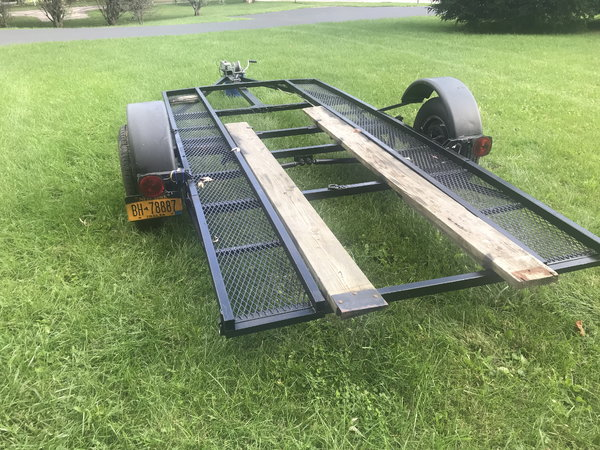 Single Axle Indepent Torsion suspension with Surge Brakes  for Sale $1,200