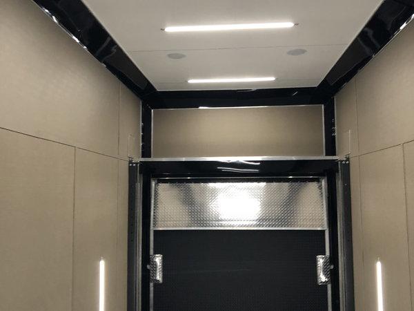 2022 30' Aluminum White Stacker