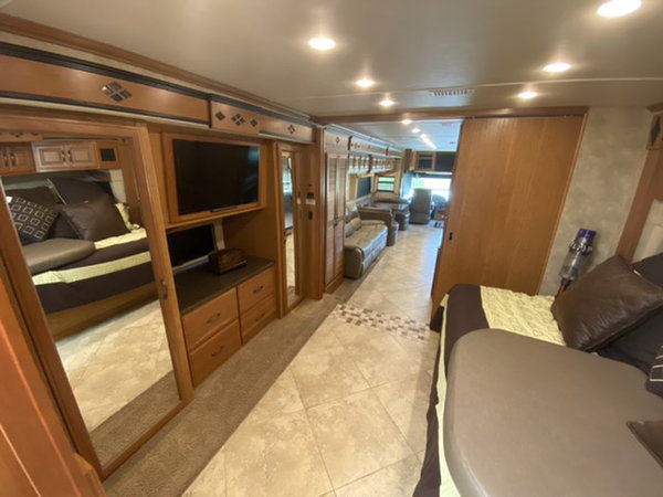 Fleetwood 38k Expedition  for Sale $155,000