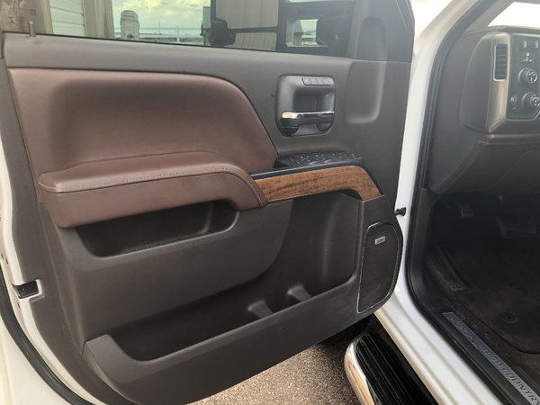 2016 Chevy Duramax Hauler  for Sale $62,500
