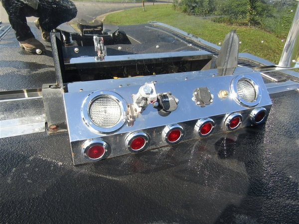 2010 Kenworth T300 Custom Toter