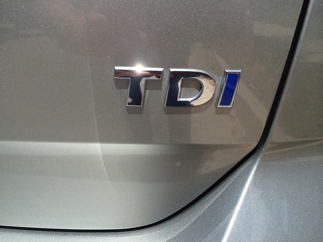 2015 Volkswagen Golf TDI Emblem