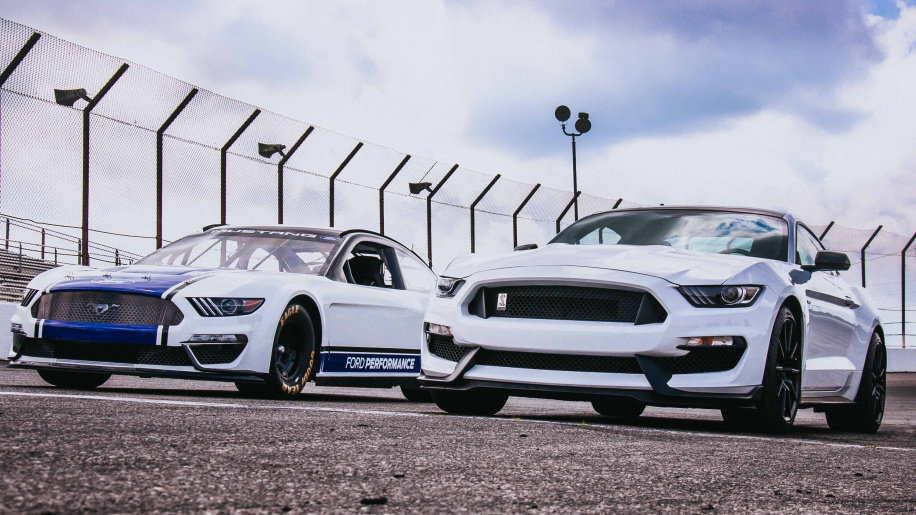 2019 Ford Mustang Nascar Race Car