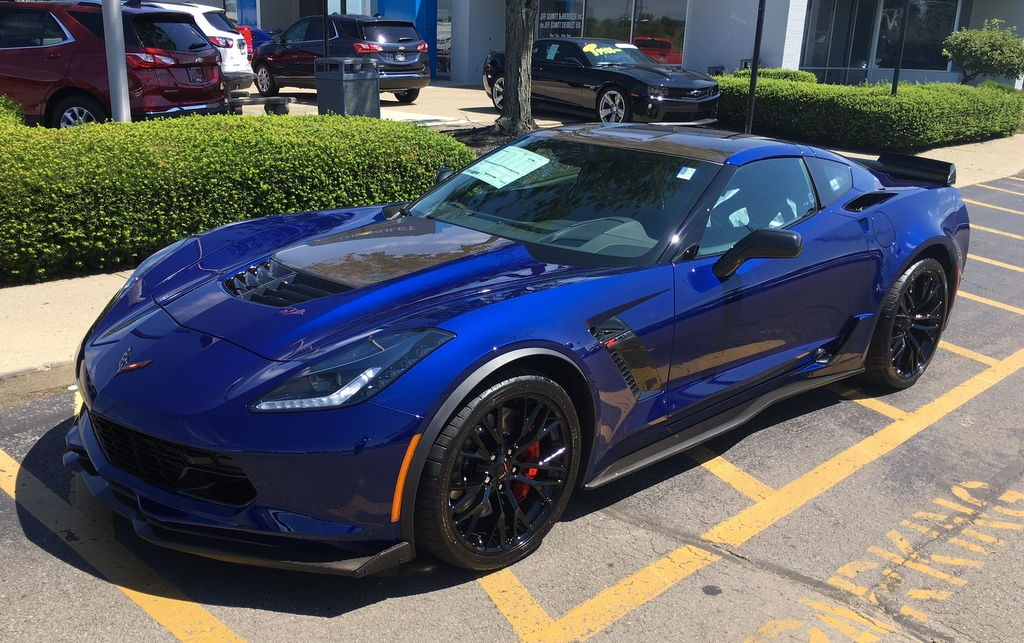 Vin 1g1yr2d66j5601039 Admiral Blue Jet Balck Interior Supercharged 6 2l Di Vvt V8 7 Sd Manual Transmission 2lz Preferred Equipment Group